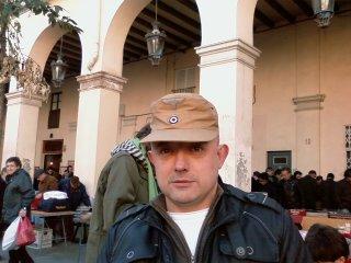 20110213125120-vicentus-con-gorra-afrikakorps.jpg