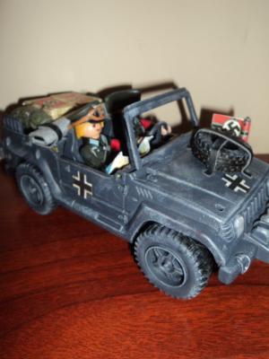 20150526173339-vehiculo-aleman-playmobil-002.jpg