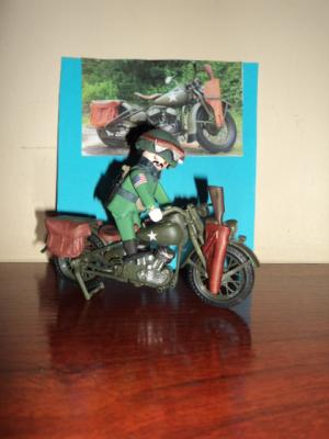 20151025211700-moto-militar.jpg